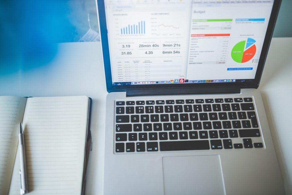 Интернет-продвижение бизнеса: что лучше контекст или таргет и почему?