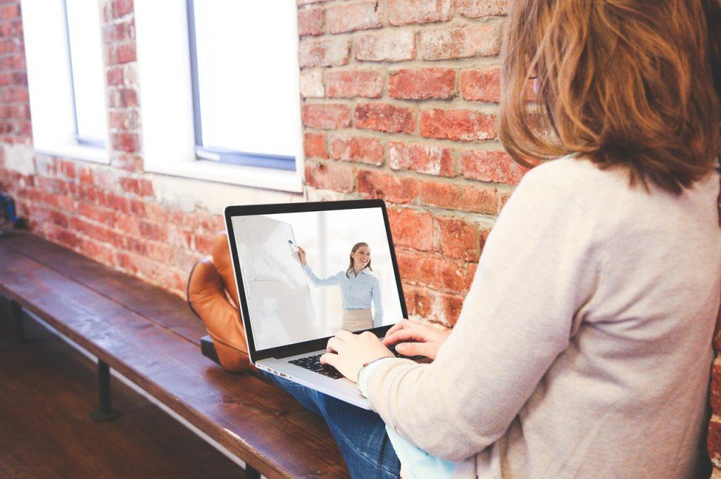 Онлайн-обучение начистоту: кто кому и сколько должен за работу на курсах?